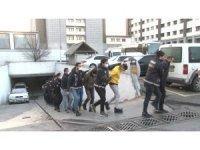 Uyuşturucu operasyonunda gözaltına alınan 20 şüpheli adliyeye sevk edildi