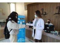 BAYSEM'de öğretmenler öğrencileri hijyen paketleriyle karşıladı