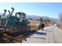 Tokat'ta köy yolu standartlarında iyileştirme çalışması