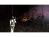 Arnavutköy'de orman işçilerinin kaldığı barınak yandı: 1 işçi yaralandı