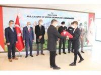 Anadolu Gönül Yolu 81 Genç 81 Bayrak teslim töreni yapıldı