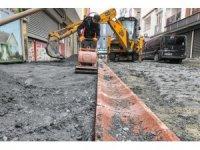 Esenyurt'ya yollar yenilenmeye devam ediyor