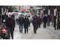 Kırklareli'nde kısıtlamasız ilk cumartesi günü cadde ve sokaklar hareketli