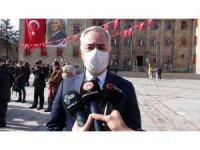 Isparta Valisi Seymenoğlu 'az da olsa vaka artışı var' diyerek uyarıda bulundu