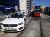 (OZEL) Beyoğlu'nda tramvay yolunda kaza