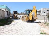 Akçakale'de 5 mahalle yeni yollara kavuşuyor