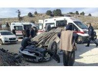 Adıyaman'da otomobil takla attı: 3 yaralı