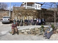 Başkan Kayda, mahalleleri gezip sorunları yerinde tespit ediyor
