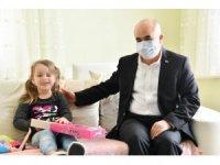 Vali Dağlı'dan öldüresiye darp edilen kadının küçük kızına moral