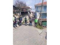 Efeler Belediyesi karantinada olan sokağı ilaçladı