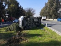 Tarsus'ta belediye aracı kaza yaptı: 3 yaralı