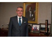 Murzioğlu, personeli için fidan bağışında bulundu