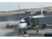 Uçakta maske takmayan Rus sporcu kafilesine para cezası