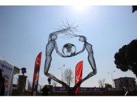 """Aydın'da """"Eşitlik"""" heykeli törenle açıldı"""