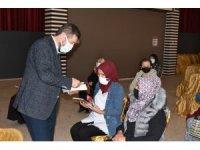 Sındırgı'da edebiyatın avlusunda kadın konferansı