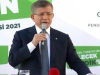 Davutoğlu'ndan hükümete sert eleştiri: Başınız neden eğiliyor?
