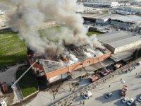 Tekstil fabrikasını saran alevler havadan görüntülendi