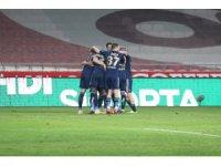 Süper Lig: Konyaspor: 0 - Fenerbahçe: 2 (İlk yarı)