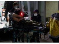 İki grup arasında çıkan bıçaklı kavga kanlı bitti: 2 yaralı
