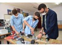 Denizli'de öğretmenler ve öğrencilerin 'Sarozon' adlı ozon cihazı tescillendi