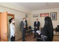 Niğde Belediye Başkanı Özdemir'den Kadın Personele Anlamlı Jest