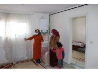Gaziantep'te iki çocuğuyla sokakta kalan anneye yardım eli