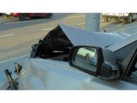 Otomobilin çarptığı park halindeki araç takla attı: Sürücü ağır yaralandı