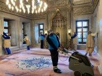 Eyüpsultan Camii ve Meydanı gül suyuyla yıkandı