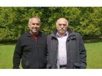 Hollanda'da yoğun bakımda korona tedavisi gören babası için Bakan Koca'ya seslendi