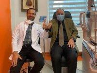 Van Defterdarı Murtaza Kamar akıllı lens ameliyatı ile gözlüklerden kurtuldu