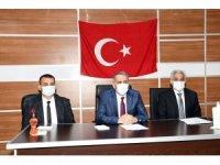 Vali Çuhadar Gerger'de deprem konutlarıyla ilgili toplantı yaptı