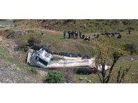 Siirt'te tır devrildi: 1 yaralı