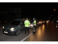 Manisa'da seyahat eden araçlar tek tek kontrol ediliyor