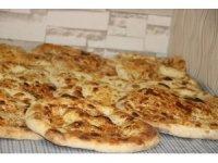 Ramazan'da tok tutan köy çöreği