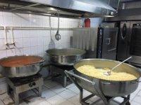 Gaziosmanpaşa'da ihtiyaç sahiplerine her gün 1 ton yemek dağıtılıyor