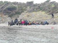 Ayvalık'ta denizde sürüklenerek adada mahsur kalan 48 göçmen kurtarıldı