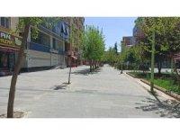 Siirt'te cadde ve sokaklar sessizliğe büründü