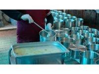 Nazilli Belediyesi 500 kişiye iftar yemeği dağıtıyor