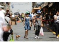 İsrail'de açık alanlarda maske takma zorunluluğu kaldırıldı