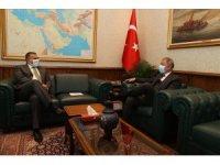 Milli Savunma Bakanı Hulusi Akar, Slovenya Büyükelçisi Primoz Seligo'yu kabul etti.