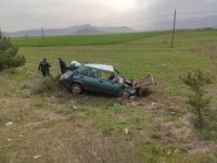 Bucak'ta otomobil tarlaya uçtu: 1 yaralı