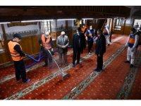 Osmangazi'de camilerde ramazan temizliği