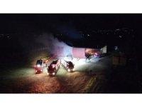 İzmir'de saman deposu alev alev yandı