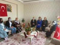 Dürdane Beyoğlu'ndan şehidin ailesine vefa ziyareti