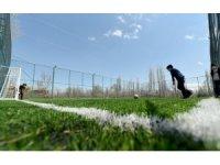 Konya Büyükşehir bugüne kadar ilçelere 84 açık halı saha kazandırdı