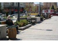 Eskişehir'de 65 yaş üstü vatandaşlar güneşi selamladı