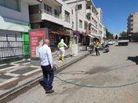 Viranşehir'de caddeler korona virüse karşı ilaçlandı