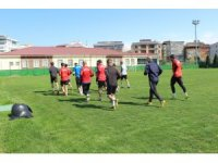 """Yelek: """"Play-off'a kalmamız için Isparta maçını kazanmalıyız"""""""