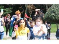 23 Nisan coşkusu Maltepe sokaklarına taştı