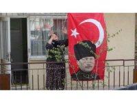 Uşak'ta 23 Nisan coşkusu konvoyla sokağa taştı